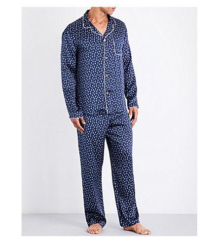 DEREK ROSE Brindisi giraffe-print silk-satin pyjama set. #derekrose #cloth #nightwear & loungewear
