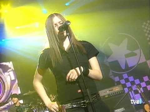 Avril Lavigne - Complicated Otro Rollo 2002 - http://yoamoayoutube.com/blog/avril-lavigne-complicated-otro-rollo-2002/