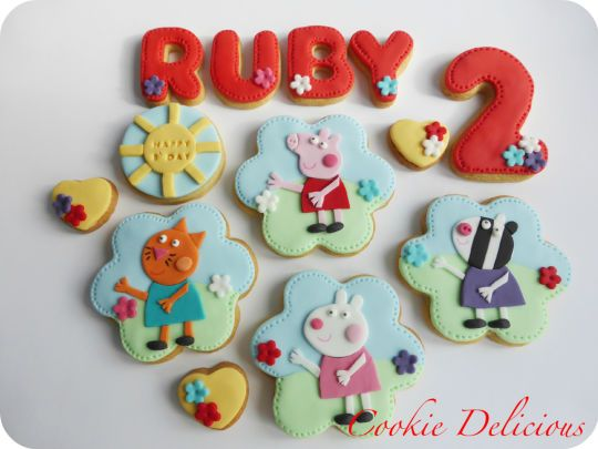 Peppa Pig Cookie Set love the different characters