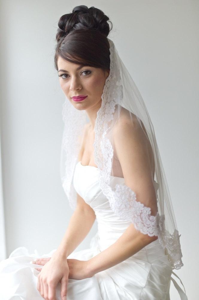 bridal veil traditional veil wedding veil lace edge veil wedding hair accessory illusion veil traditional lace and illusions