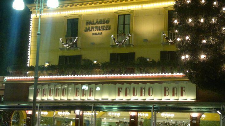 Palazzo Iannuzzi Relais come si presenta in occasione del Natale 2013 a Sorrento e del Capodanno 2014 a Sorrento. Su www.ilmegliodisorrento.com tante notizie sul natale in costiera sorrentina