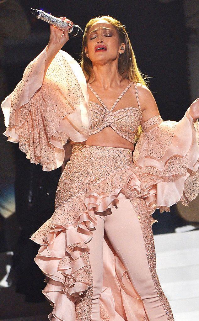 Jennifer Lopez Joins Los Dinos for Beautiful Selena Quintanilla-Pérez Tribute at 2015 Billboard Latin Music Awards  Jennifer Lopez, Billboard Latin Music Awards