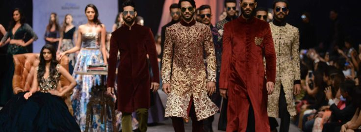 manish malhotra lakme fashion week 2015 #mennesslife #formen #bymen #RanbirKapoor #ManishMalhotra #mensfashion2015 #suitup #men #fashionformen