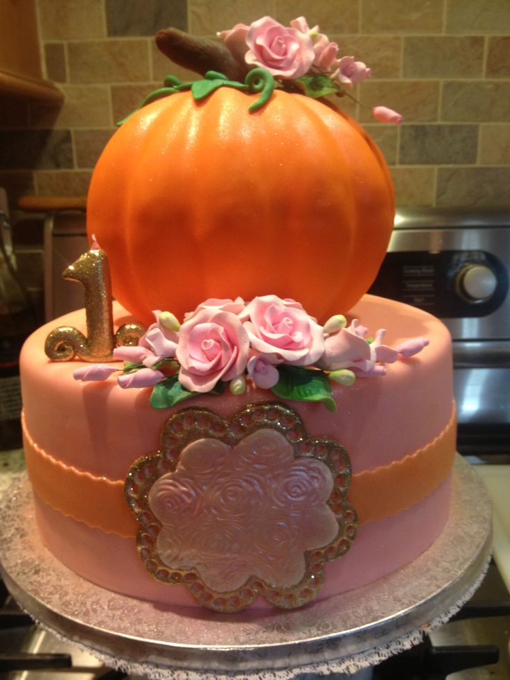 """Our little pumpkin"" 1st birthday cake"