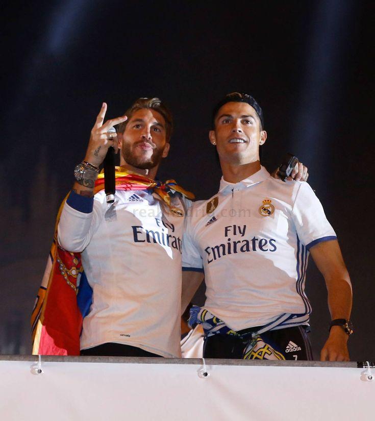 El Real Madrid celebró el título de Liga en la Cibeles | fotos | Real Madrid CF