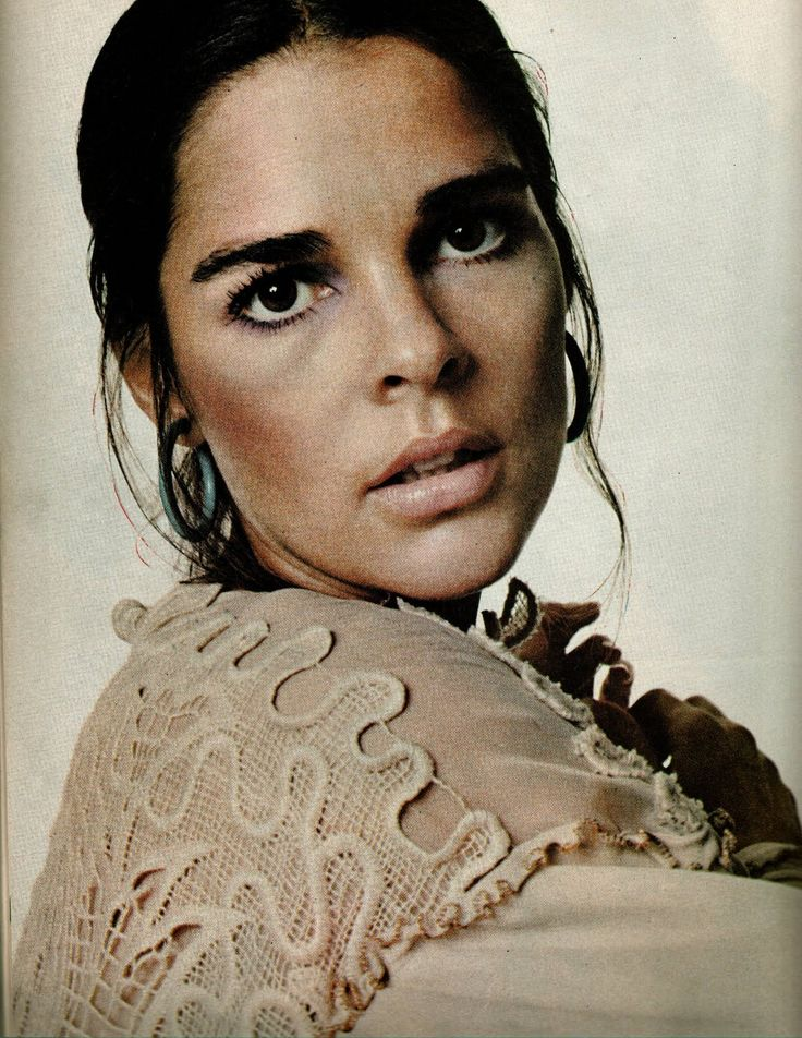 Actress & Fashion Icon: Ali McGraw    I had a short conversation w/her once in Santa Fe. She is still so gorgeous.