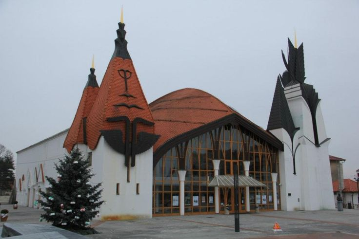 Makovecz tervezte művelődési ház. Lendva, Délvidék, ma Szlovénia területén
