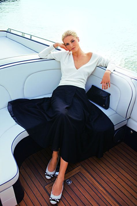 Pure elegance~Lounging on the yacht..