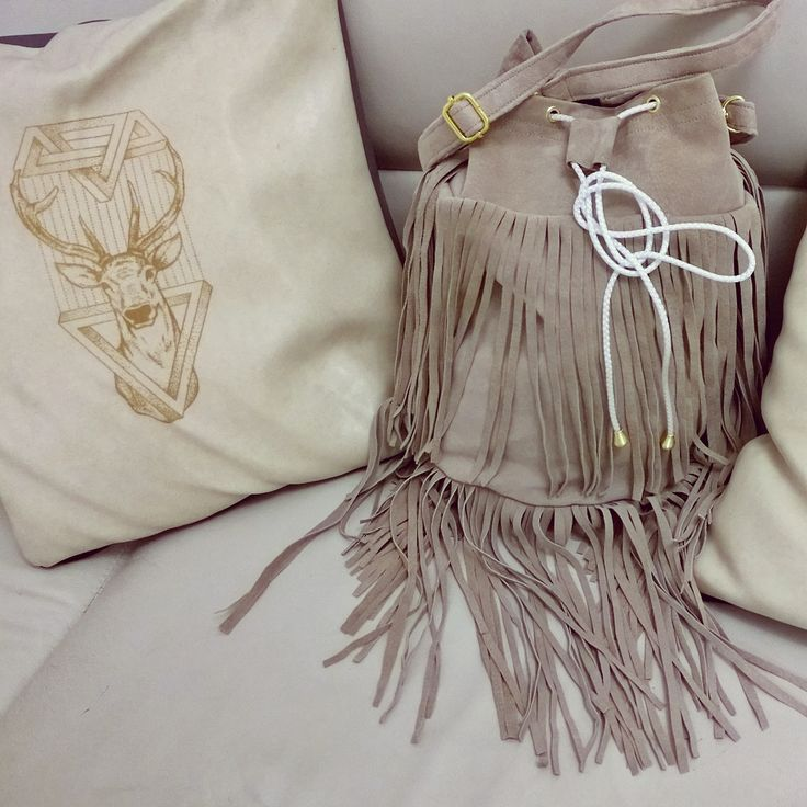 #sewing #sack #leather #tassel #fringe #bag #belts #boho #zawieszka #handmade #handbag #bohemian #gypsy #Indian #bucket #trend #totebag #designer #design #fashion #outfit #worek #torba #frędzle #szycie #Black #Italy #Poland #Deutschland #new#beige #pillow #case #engraving #deer