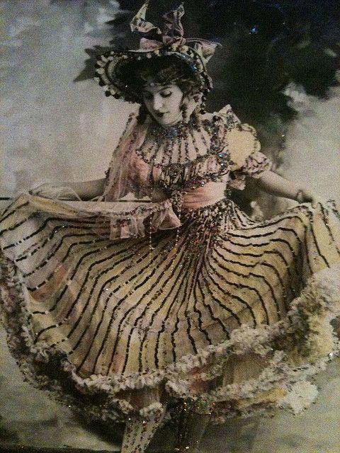 Artiste Maud d'Orby - 1900