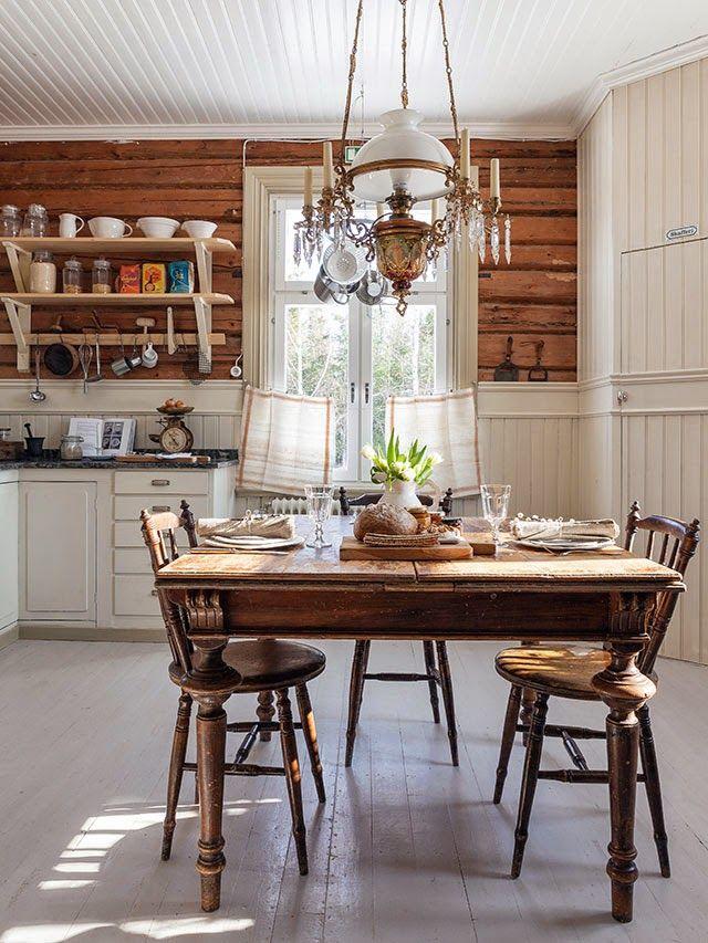 country kitchen, #lantligt #kök #träpanel