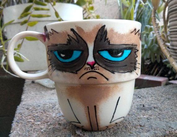Grumpy Cat Hand Painted Stackable Mug van TheCornerGeekery op Etsy, $26.99