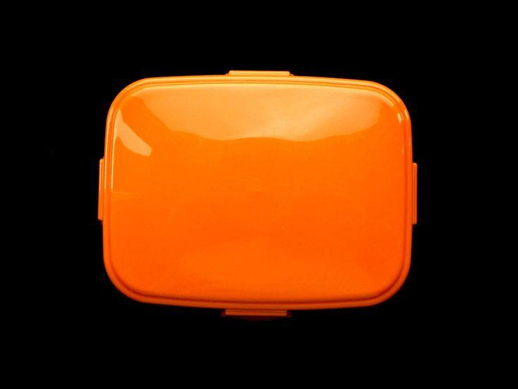 1 Tier Bento Box Orange Closes With Snaps Holds 550ml