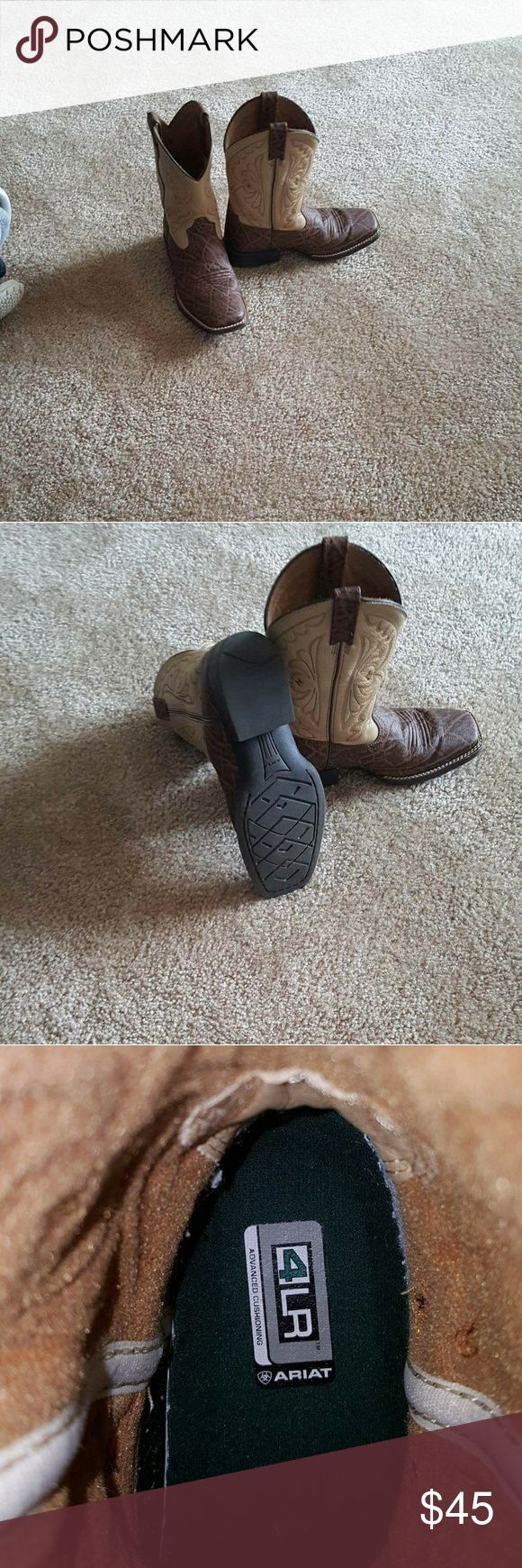 Ariat Boy Cowboy Boots ARIAT Boy Cowboy Boots Used but in GREAT CONDITION   Size 3.5  No trades No low ball offers  I accept reasonable offers Ariat Shoes Boots
