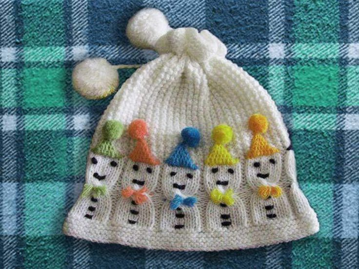 Kış geldikçe ve havalar yavaş yavaş soğuk olarak kendisini göstermeye başladıkça hanımlar farklı örgü bere modelleri aramaya başladılar bile. Çocuklar ve bebekler için çok çeşitli modeller var ve bu modellerin küçükler için biraz daha eğlenceli olması için çok çeşitli yollar izleniyor. Bere modelleri örgü üzerine yapılan çeşitli desenler ile bebeklerin olmasa da çocukların çok daha