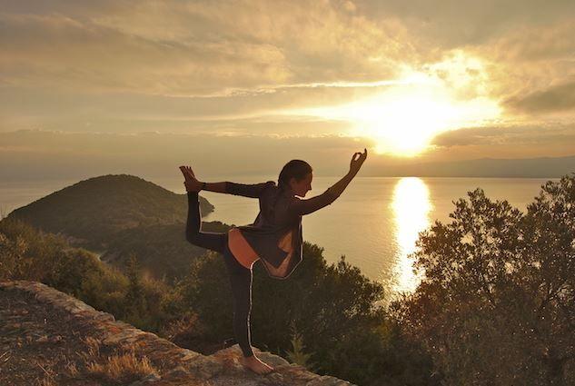 Υπάρχει το top νησί, γνωστό και ως νησί της Yoga. Το καλύτερο; Βρίσκεται στην Ελλάδα.