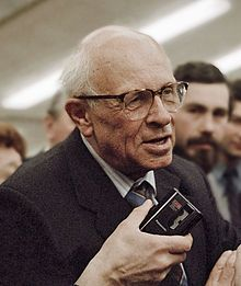1989: On March 26, the people of the Soviet Union vote in free elections for the first time since 1917 and elect a new Congress of Peoples Deputies. While the majority of Communist Party-endorsed candidates are elected, over 300 candidates win out over the endorsed candidates. Among them are Boris Yeltsin, physicist Andrei Sakharov (shown), and lawyer Anatoly Sobchak.