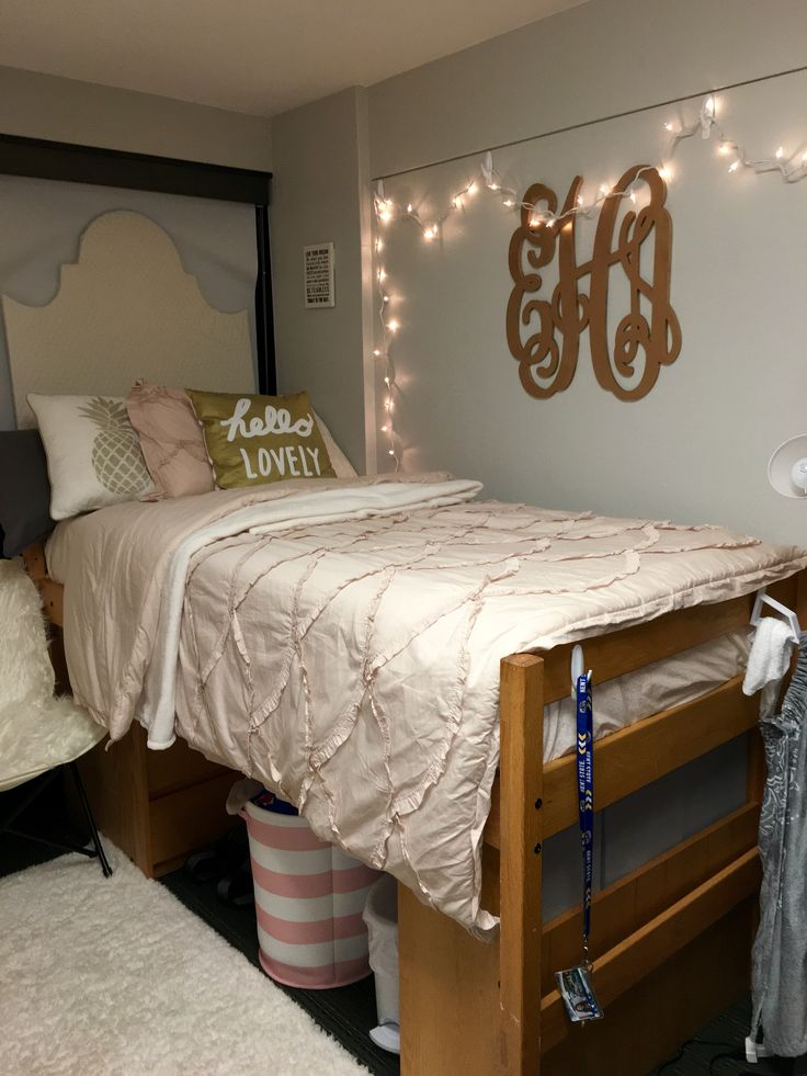 Pink and gold dorm room - Kent State University