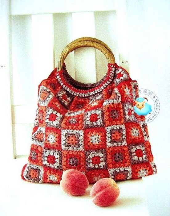 basic granny square in a pretty color combination makes for a showy bag