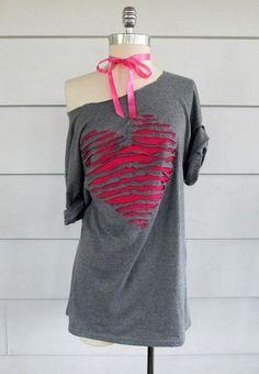 t-shirt customisé DIY avec un coeur