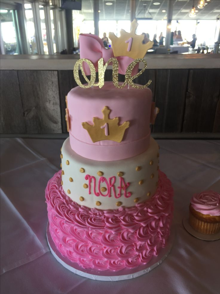Princess First Birthday cake @sugarush_red_bank