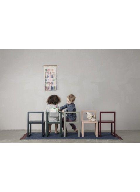 Mit der Little Architect Kindermöbel-Serie von Ferm Living kreierst Du Deinem Schatz eine zauberhafte Sitzgruppe zum Spielen, Malen und Basteln. Hier kann der Kreativität freien Lauf gelassen und die Puppen zum Kaffeekränzchen eingeladen werden. ;-) Mehr Infos findest Du unter www.kleinefabriek.com