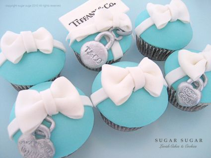 Tiffany & Co cupcakes! Almost as good as the real thing :-)