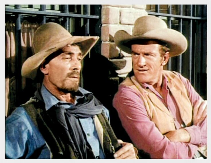 GUNSMOKE: Ranchende Colts, Vol. 6 Festus and Matt Dillon (Ken Curtis and James Arness) on set of Gunsmoke. [paramount.inpromo.de]
