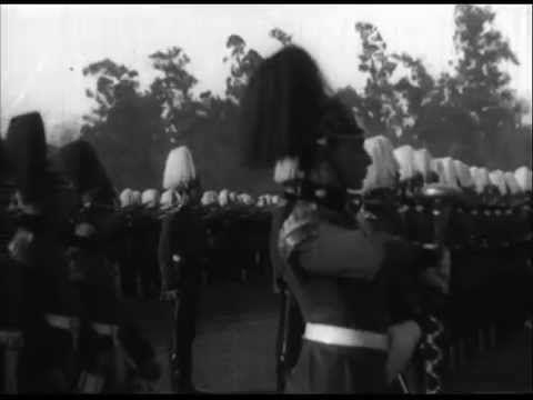 Gran Revista Militar En El Parque Cousiño chile 1910/Veteranos del 79' marchando en la elipse...  <3