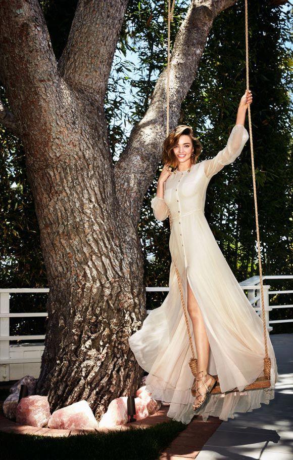 幸せ絶頂!婚約を発表したミランダカー、ファッション誌でマリブの自宅を公開   海外セレブ&セレブキッズの最新画像・私服ファッション・ゴシップ   Jinclude