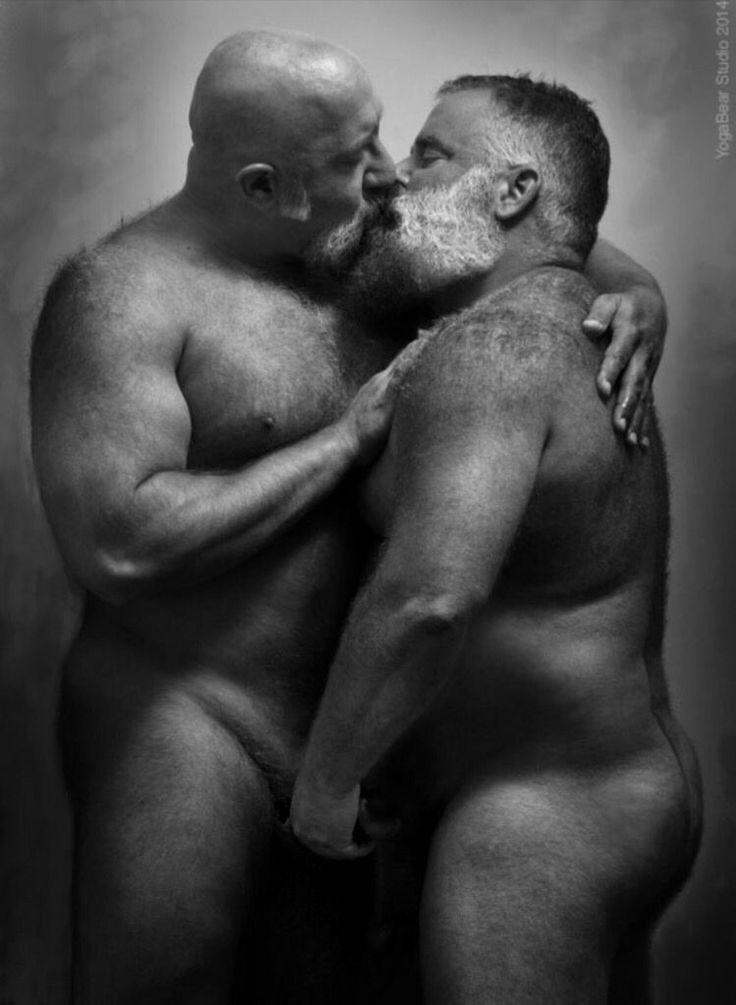 old hansome big gay gentrlemen play togeter