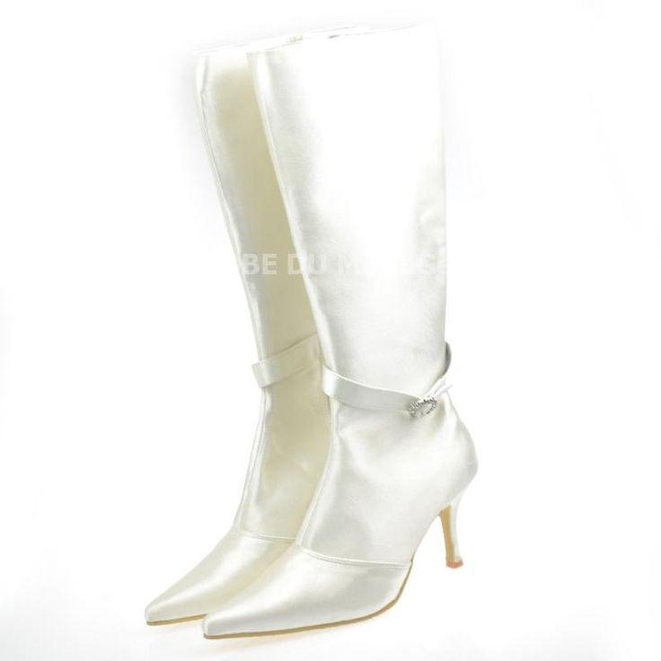 Shopping Noël : bottes pour mariage hiver bottes pas cher Prix : €91,99 Lien pour ces bottes: http://www.robedumariage.com/bottes-pour-mariee-avec-zip-talon-haut-satin-product-5058.html