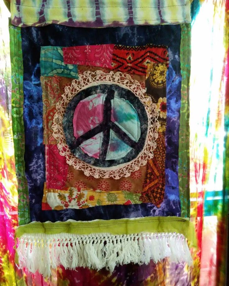 Today's prayer for peace flag,  Love this old tablecloth fringe  and will  miss it when the last remnants are gone... Much Peace to all!  #peaceflag  #hippieflag  #prayerflags  #prayerflag  #bohodecor  #hippiedecor  #singletonmade #webelieveinpeace  #peacewins  #gottahavepeace #tiedyedpeacesign
