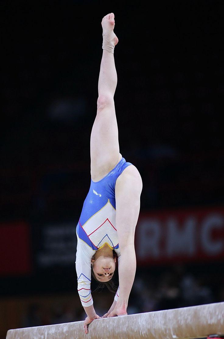 Closeup gymnast pictures — photo 4