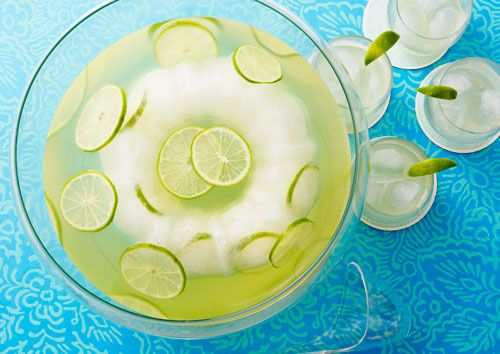 "A Lower Calorie ""Skinny"" Margarita Punch without the artificial flavors -- perfect for girls' night! On ClintonKelly.com"
