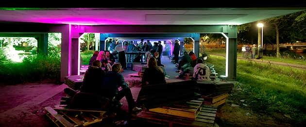 Sustainable Dance Club onder Museum De Paviljoens tijdens SITE2F7 Festival 2008. © Gert Jan van Rooij, Museum De Paviljoens
