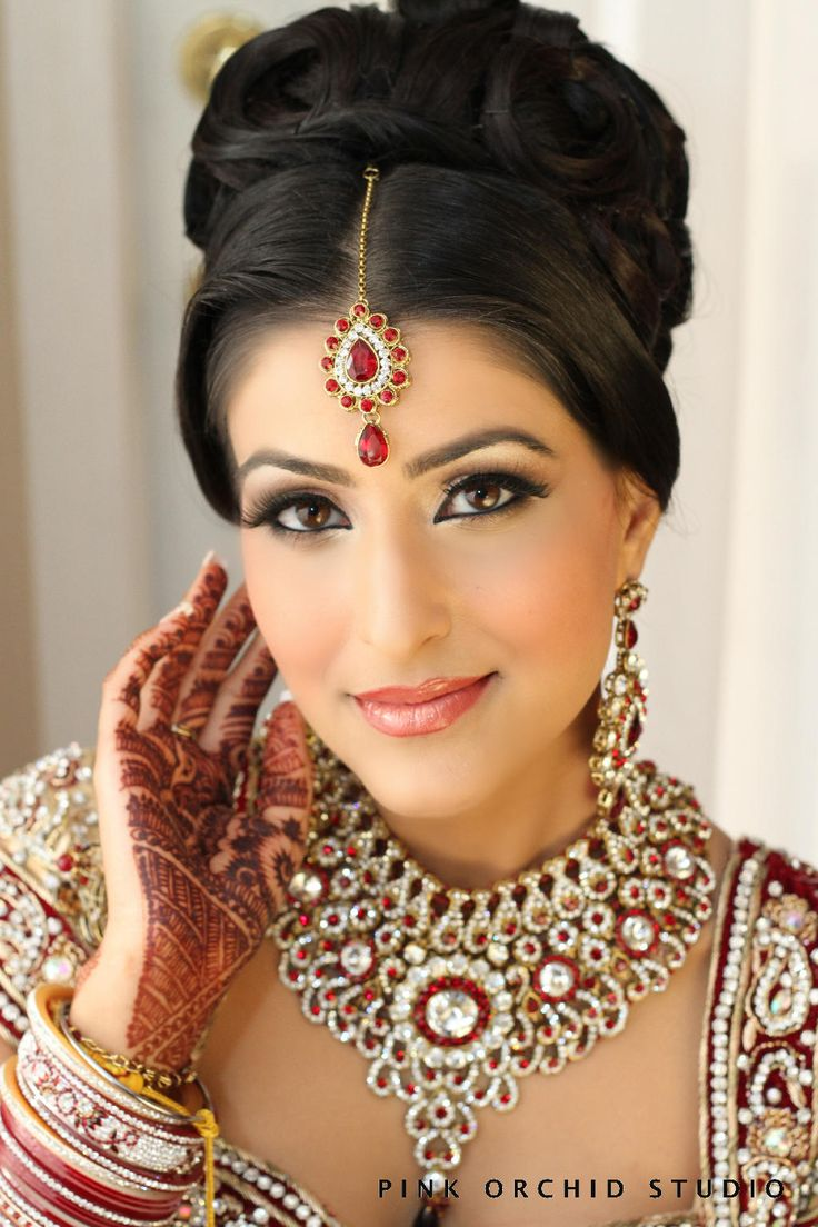 Peachy 1000 Ideas About Indian Bridal Makeup On Pinterest Natasha Hairstyles For Women Draintrainus