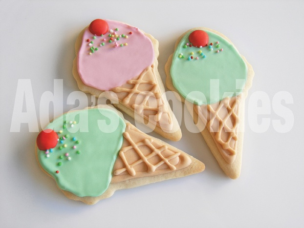 Decorating cookies. My new obsession!
