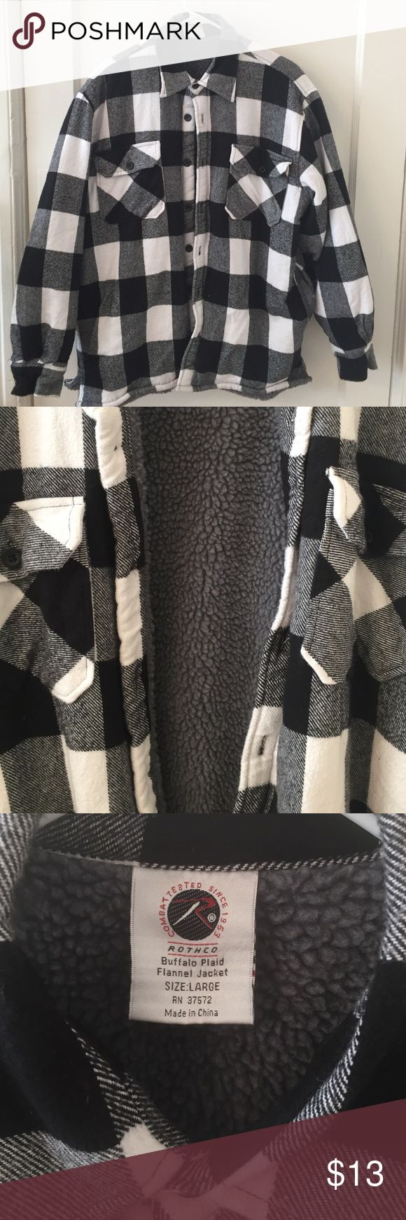 Plaid Flannel Jacket Oversized flannels jacket. Super comfy and warm! In great condition! Can fit a S/M Jackets & Coats