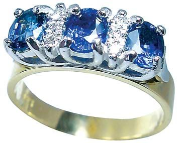 Ceylon sapphire and diamond, engagement ring from Petersens Jewellers, Merviale Christchurch