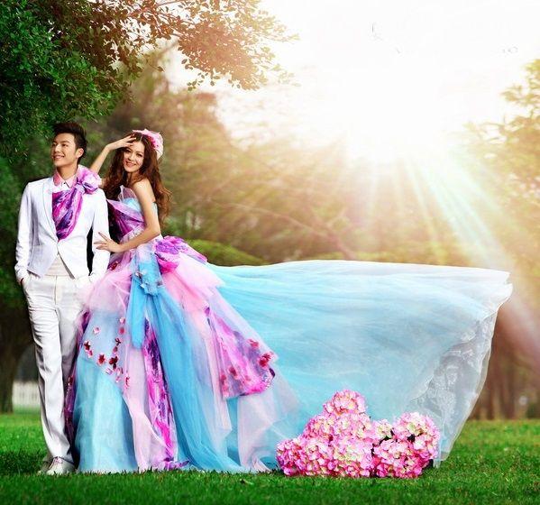 Colored Wedding Dresses for Cheerful Wedding | Wedding Inspiring