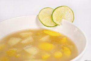 Receptműves: Őszibarack-sárgadinnye gyümölcsleves (tej- és gluténmentes)