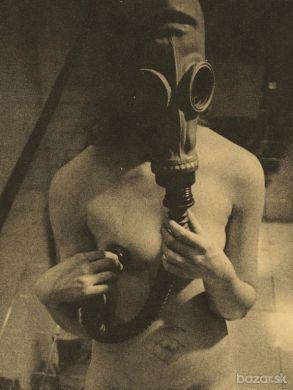 Umelecká fotografia - ženský akt v štýle steampunk