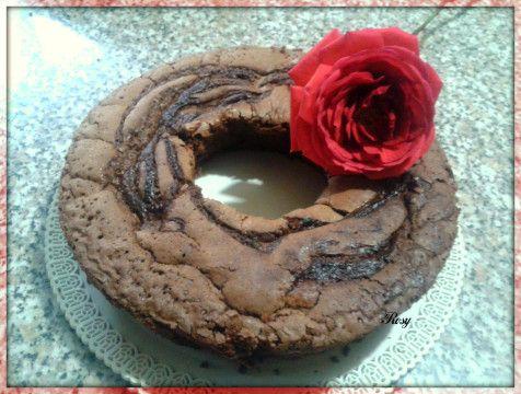 Ricetta Ciambella al cioccolato http://www.ledolciricette.it/2013/12/05/ricetta-ciambella-al-cioccolato/14635