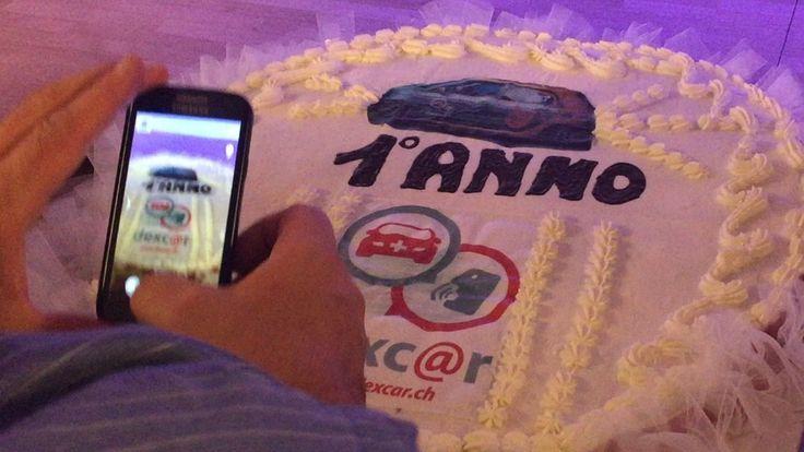 Festa del primo anno di attività. CakePhone.