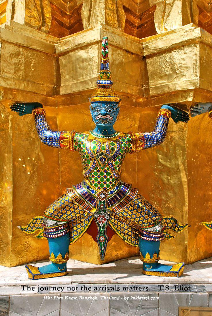 WAT PHRA KAEW / ROYAL PALACE, BANGKOK, THAILAND