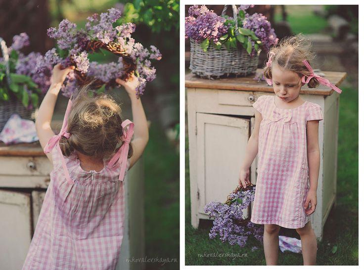 Spring photo idea for girls - lilacs / Сиреневая весна - детская фотосессия для девочки