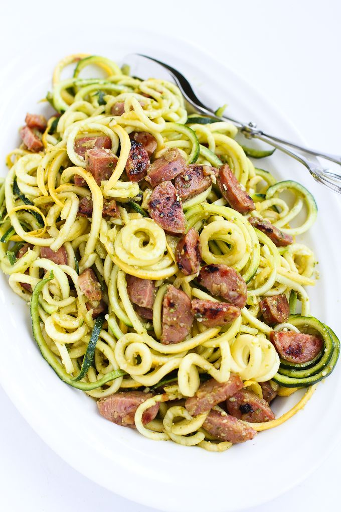 Pesto Zucchini Noodles with Chicken Sausage…Only 6 ingredients! Perfect when you're craving pesto pasta, but want a light and healthy recipe. 205 calories and 5 Weight Watchers SmartPoints