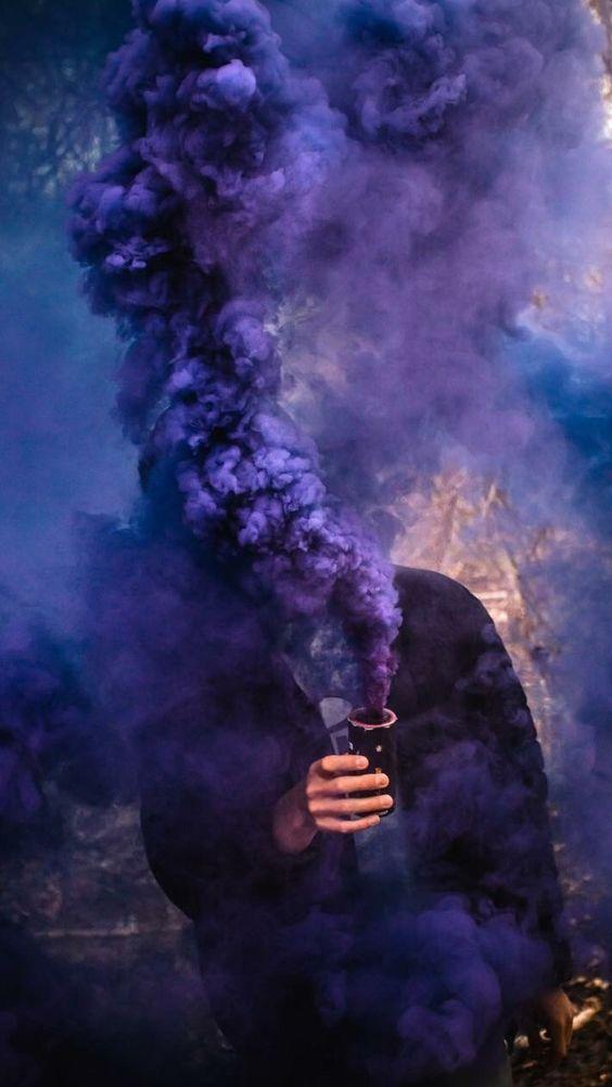 how to use smoke color bombs