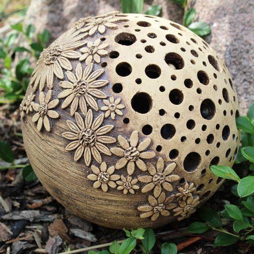Leuchtender Ball mittlerer Größe – 16. / Handelswaren Bédina